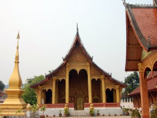 Wat Sensoukaram (Red Temple)