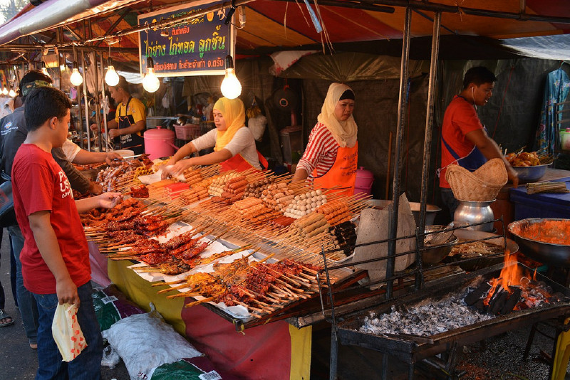 Krabi Night Market / Walking Street