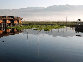 Burmese Full Day Trip – From Scenic Pindaya to Placid Inle Lake © Lily