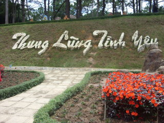Valley of Love (Thung Lung Tinh Yeu)