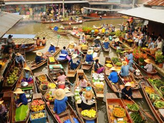 Damnernsaduak Floating Market Tour