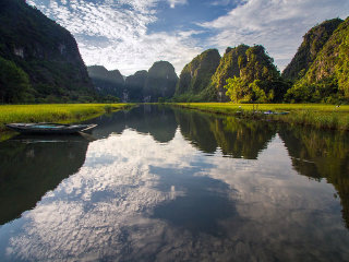Hoa Lu - Tam Coc - Bich Dong Pagoda Full day © Lily