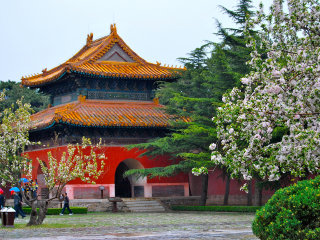 1 Day Bus Tour: Mutianyu Great Wall, Ming Tombs